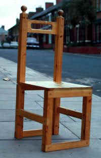 chair.jpg (9443 bytes)